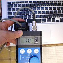ノートパソコンからの電磁波:700V/m